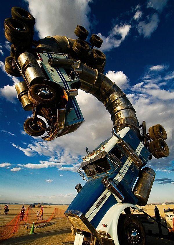 Post image for World's Largest Big Rig Jig